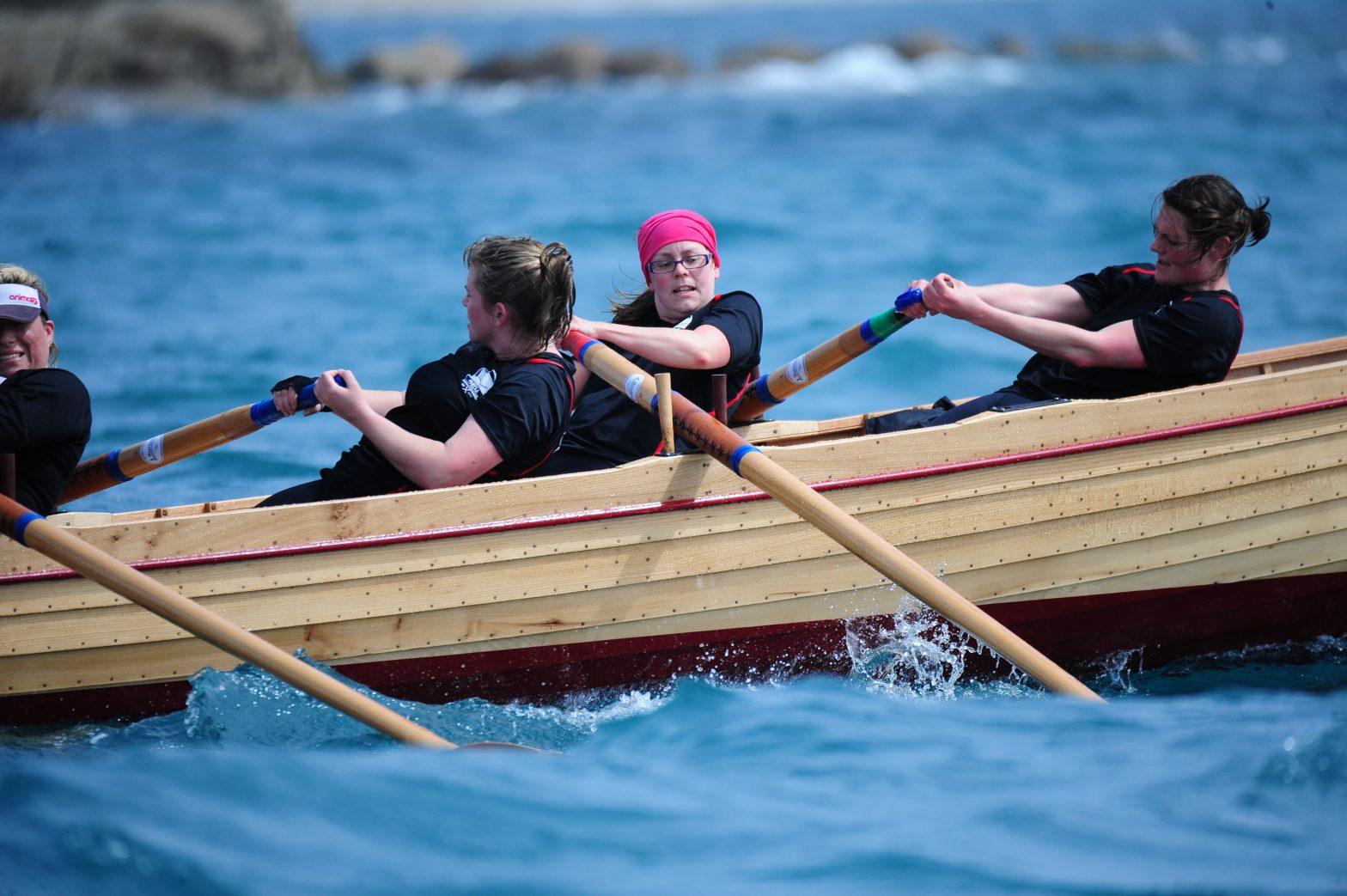 Active Women rowing